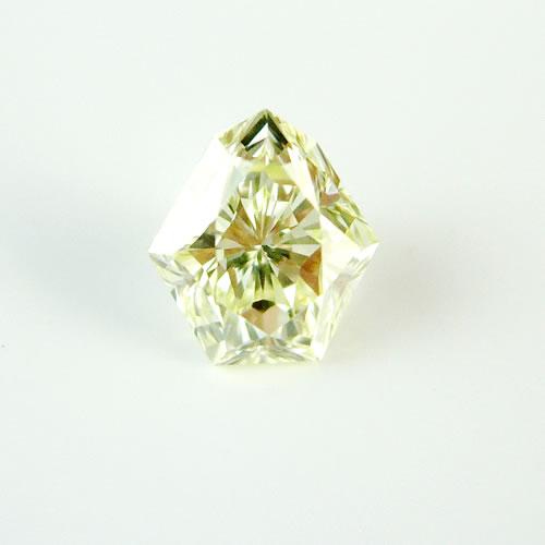 ダイヤ 0.689ct L.Y.SI-2.変形カット ジュエリールース dz165