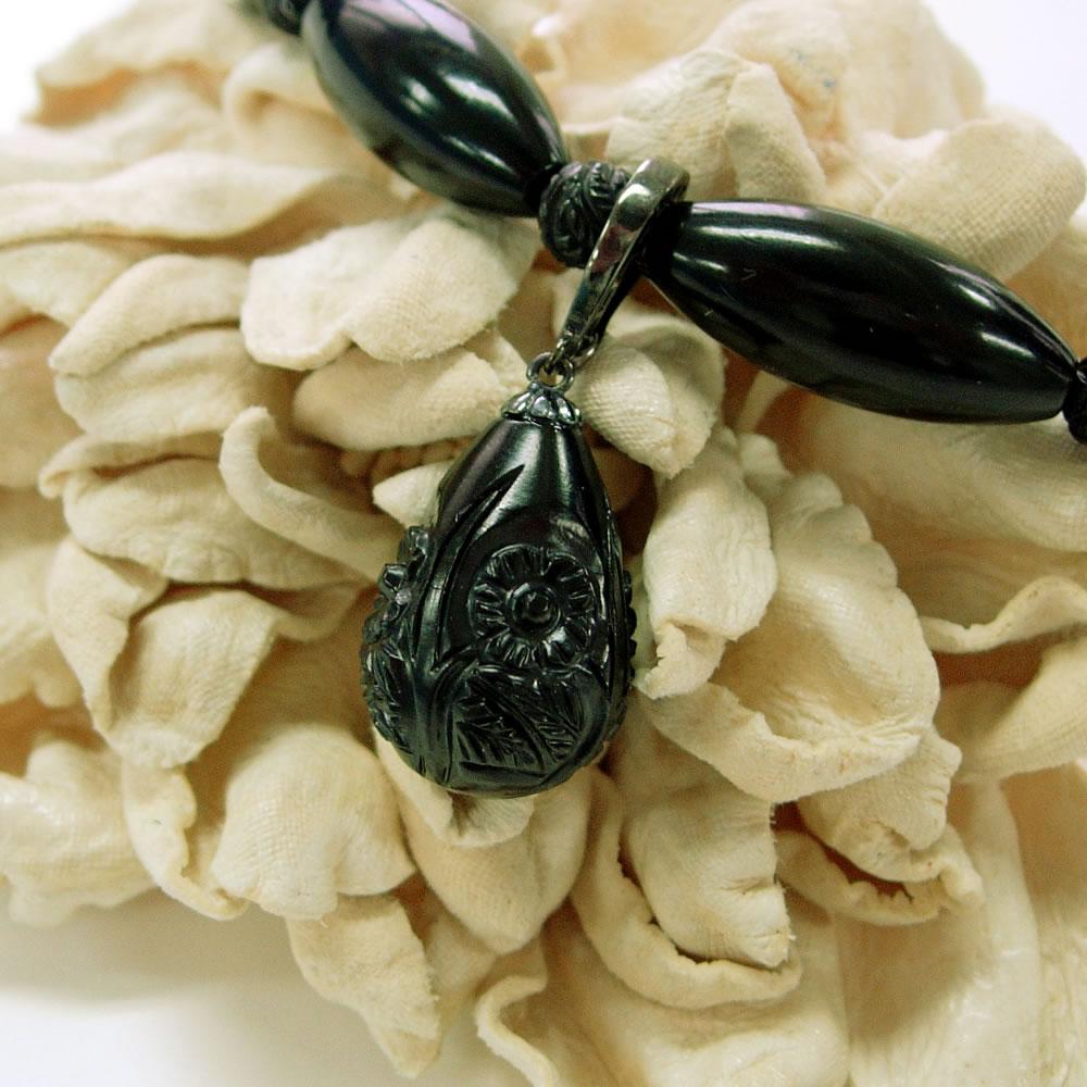 SV 天然ジェット ツユ花彫カット ジョイント ペンダントジュエリー jp103