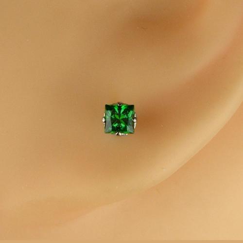 <font color=#ff4500>〔送料無料〕</font>MARE(マーレ)SWAROVSKI  Green 3×3mm ピアスジュエリー ma081 画像