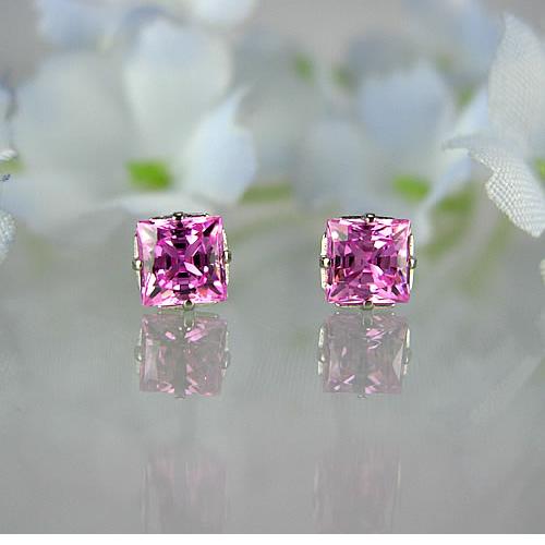 <font color=#ff4500>〔送料無料〕</font>MARE(マーレ) SWAROVSKI  Pink  2.5×2.5mm ピアスジュエリー ma083