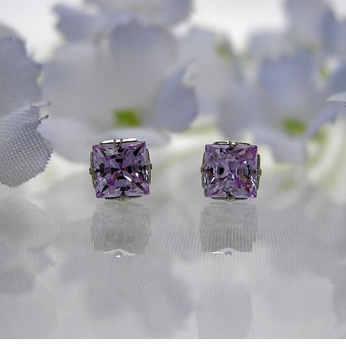 <font color=#ff4500>〔送料無料〕</font>MARE(マーレ)SWAROVSKI  Lavender  2.5×2.5mm  ピアス ma084