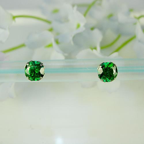<font color=#ff4500>〔送料無料〕</font> MARE(マーレ) SWAROVSKI Green  5×5mm ピアスジュエリー mt097