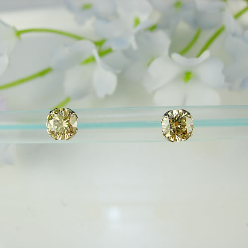 <font color=#ff4500>〔送料無料〕</font> MARE(マーレ) SWAROVSKI Fancy Champagne  5×5mm ピアス mt183